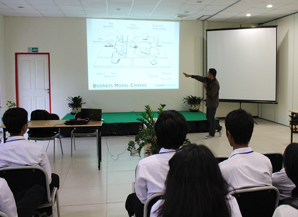Materi Business Model Canvas